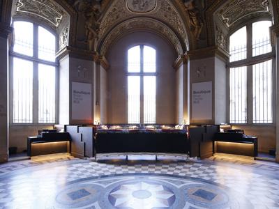 Musée du Louvre Merchandising Counters